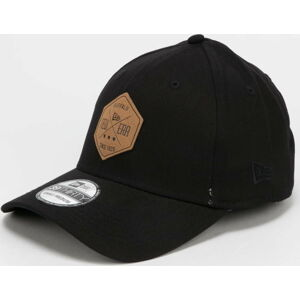 New Era 3930 Colour Essential černá L-XL